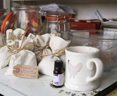 How to make Herbal Bath 'Tea Bags'