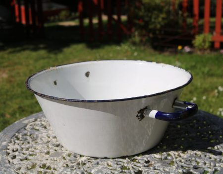 Small White Enamel Tub #1