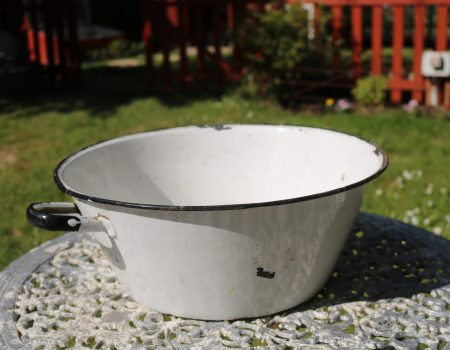 Small White Enamel Tub #2