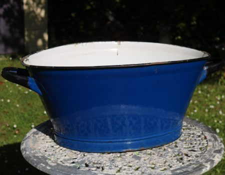 Enamel Blue Oval Tub #153