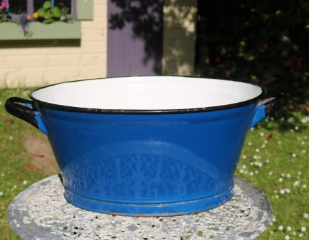 Enamel Blue Oval Tub #155