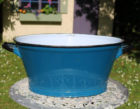 Enamel Blue Oval Tub #157