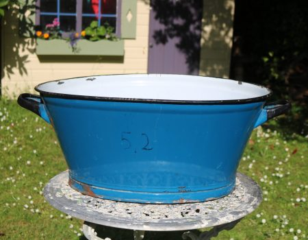 Enamel Blue Oval Tub #158