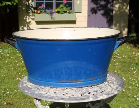 Enamel Blue Oval Tub #159