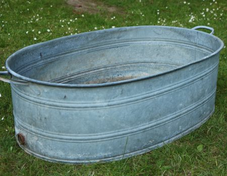 Straight edged oval tub #160