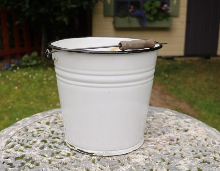 Enamel Bucket #18