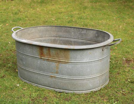 Straight edged oval tub #175