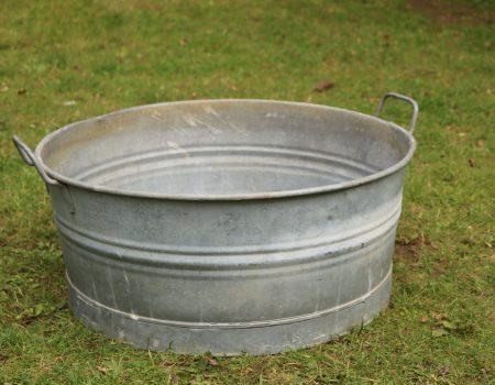 Round Shallow Galvanised Tub #177