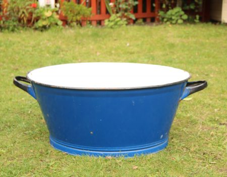 Enamel Blue Oval Tub #182