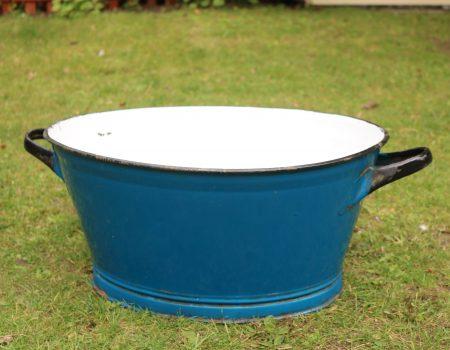 Enamel Blue Oval Tub #183