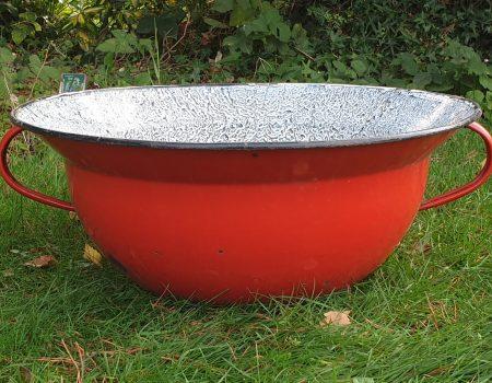 Round Enamel bowl #193
