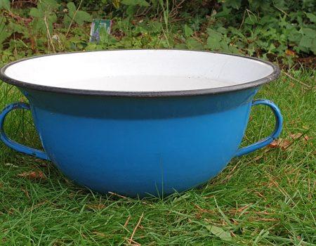 Round Enamel bowl #195