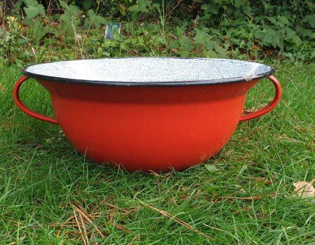 Round Enamel bowl #196