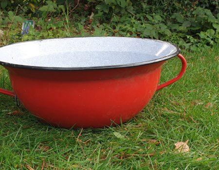 Round Enamel bowl #197