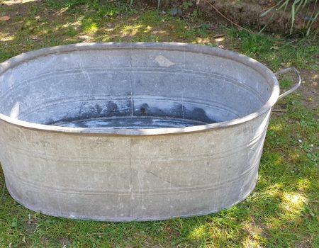 Straight edged oval tub #18