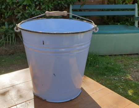 Enamel Bucket #20