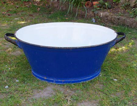 Oval Enamel Tub #24
