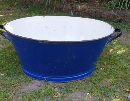 Oval Enamel Tub #25