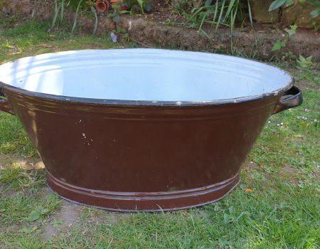Oval Enamel Tub #27