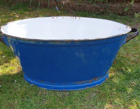 Oval Enamel Tub #28