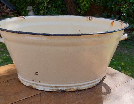Oval Enamel Tub #35