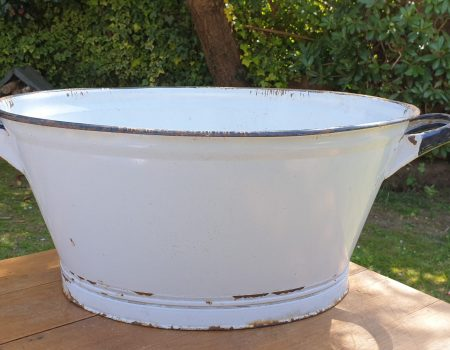 Oval Enamel Tub #39