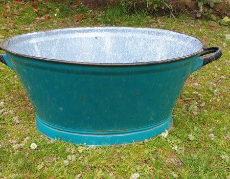 Oval Enamel Tub #68