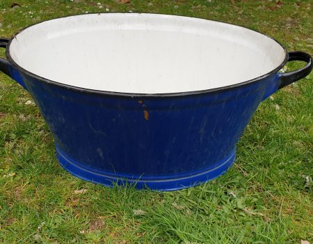 Oval Enamel Tub #69