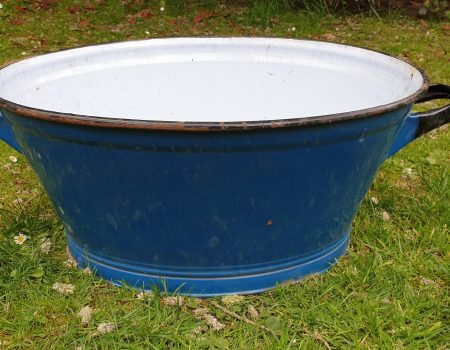 Oval Enamel Tub #70