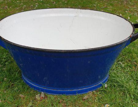 Oval Enamel Tub #72