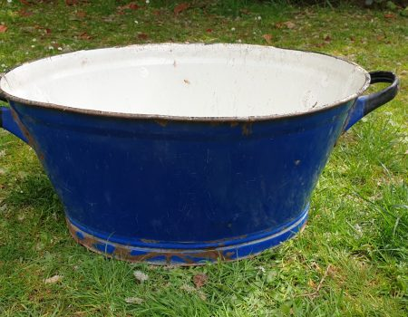 Oval Enamel Tub #74