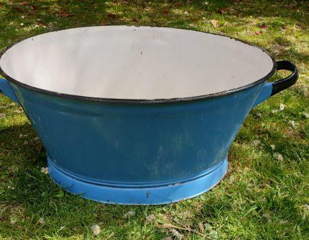 Oval Enamel Tub #75