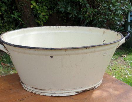 Oval Enamel Tub #76