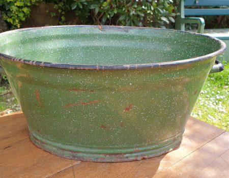 Oval Enamel Tub #84