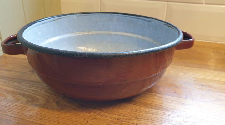 Round Enamel Bowl #83