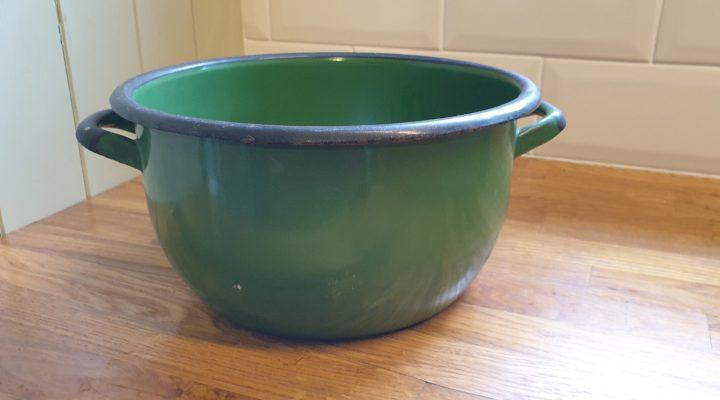 Round Enamel Bowl #84