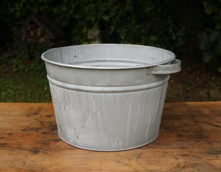 Vintage Style Round Tubs